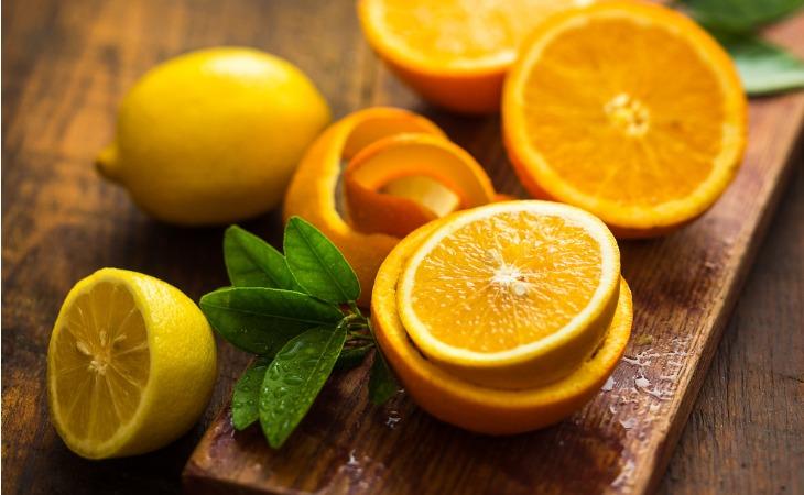 Les agrumes : citrons, oranges, clémentines, sont des aliments dangereux pour les chats